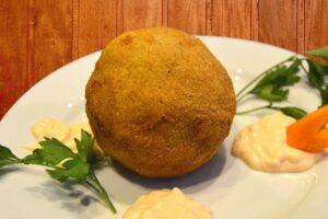 Patatas bomba rellenas de carne