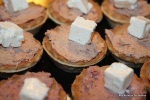 Tartaletas rellenas paté y queso
