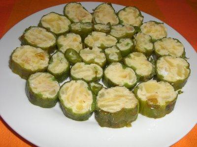 pimientos-verdes-rellenos-de-tortllla