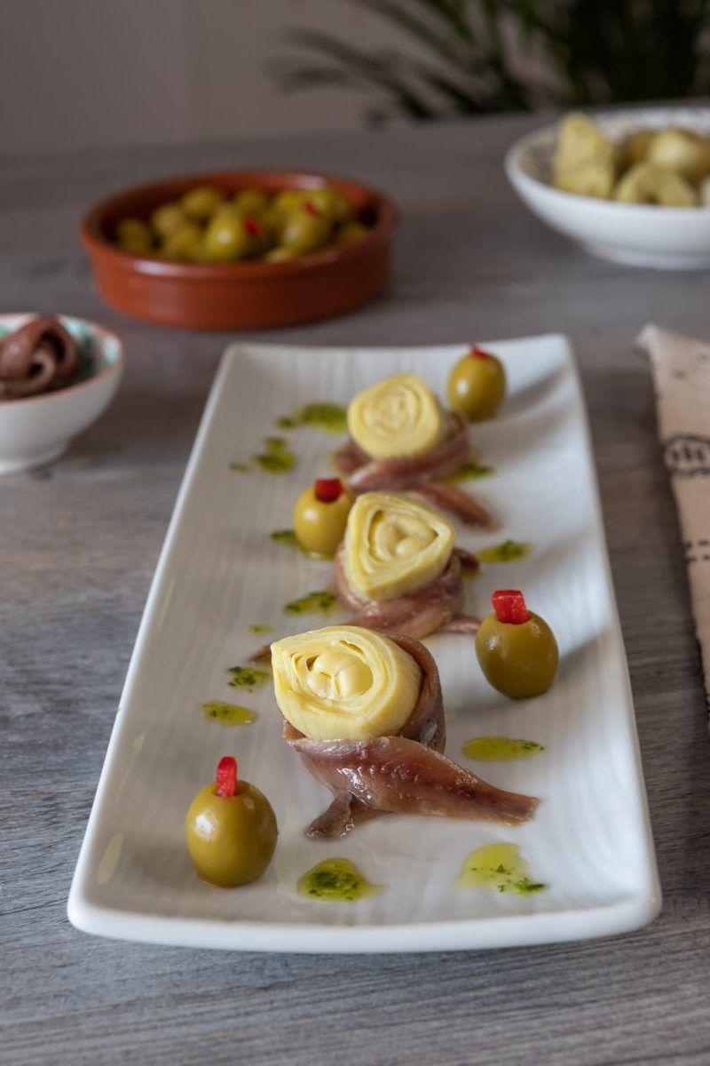 Pinchos de alcachofa y anchoas