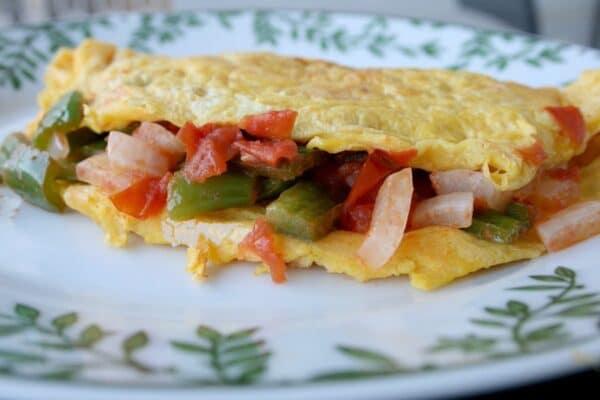 Tortilla con queso rellena de verduras