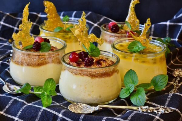 Gelatina de limón con leche y queso