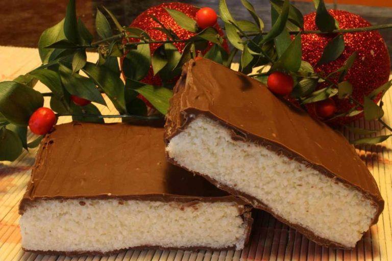 Turrón de coco con cobertura de chocolate