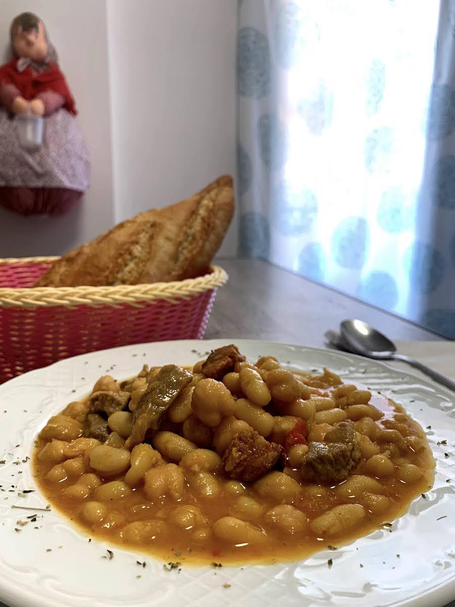 "Alubias con garbanzos carne y chorizo ""Guiso"""