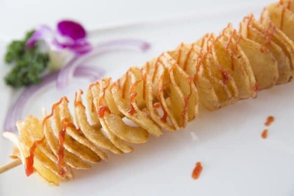 Pinchos de patatas tornado